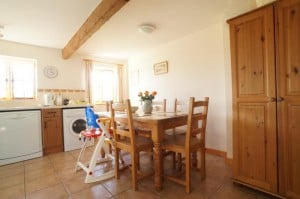 Dining at Fallow Cottage New Forest Holiday Cottages